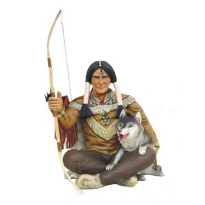 INDIAN 107 CM SITTANDE MED EN VARG