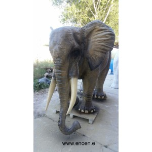 ELEFANT I NORMAL STORLEK  410 CM