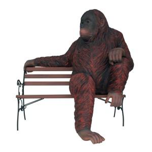 Orangutan Sitter på bänk 146 cm