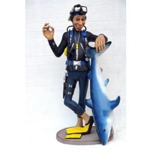 Dykare med haj 180 cm i glasfiber